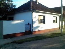 Prizemna kuća na ćošku